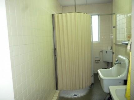 トイレアコーディオンカーテン